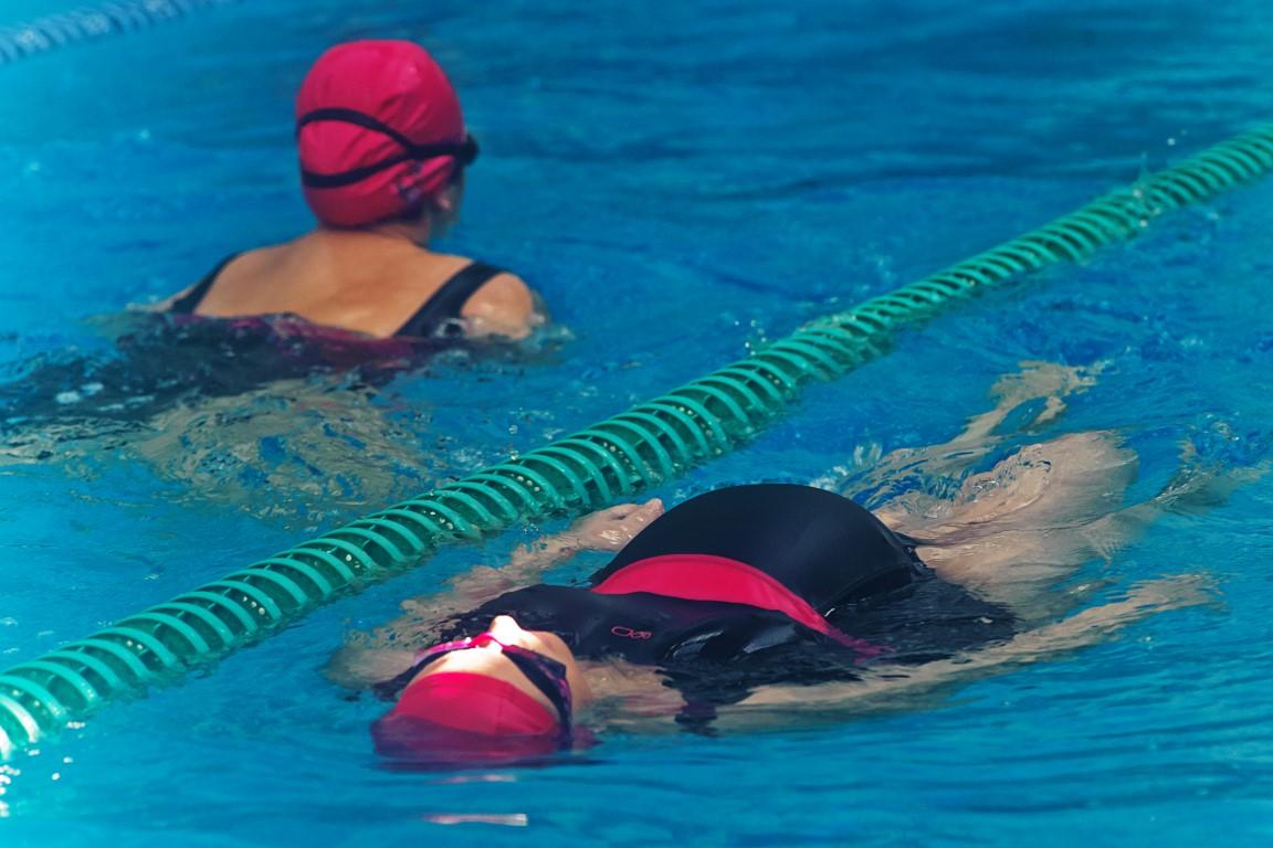 Corsi di nuoto per gestanti piscine di albaro for Piscina arzignano
