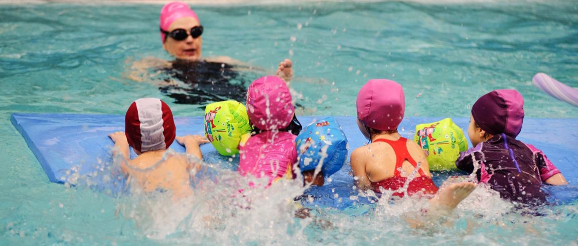 Corsi di nuoto per bambini piscine di albaro - Corsie per piscine ...